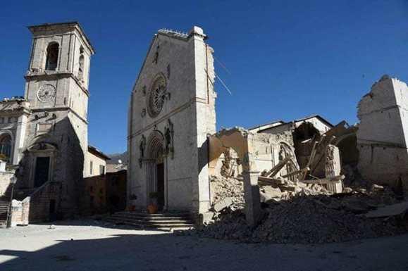 terremoto norcia basilica san benedetto crolli 3