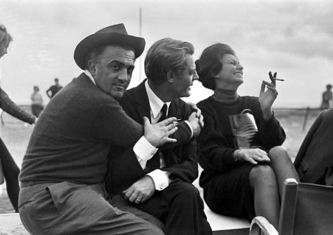 Federico-Fellini-Marcello-Mastroianni-Sophia-Loren